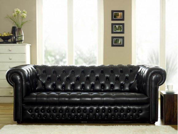 ludlow-black-chesterfield-sofa-click-to-zoom