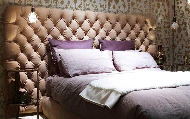 Кровать после перетяжки изголовка