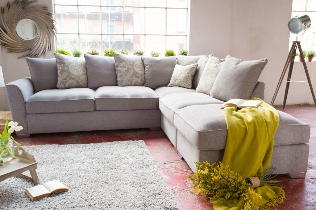 Выбираем обивку для диванов